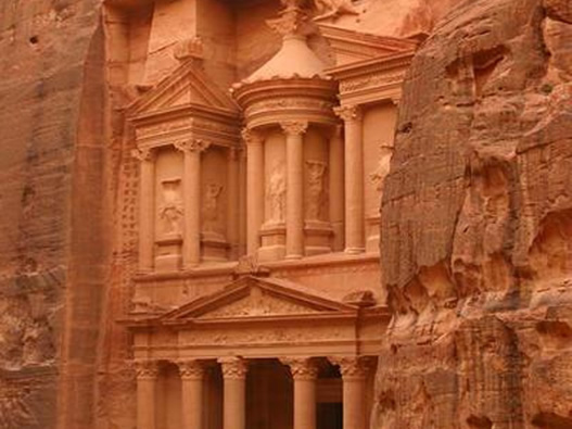Guided Tour holiday vacation to Petra Jordan